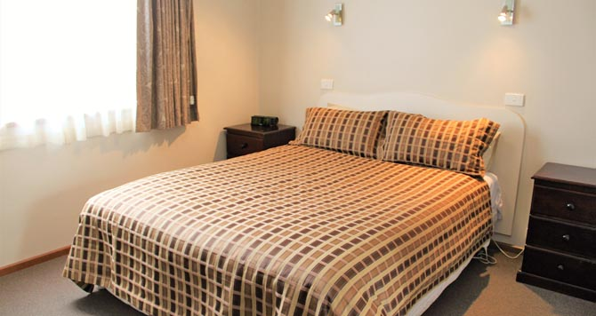 Eureka Lodge Motel is ideal for short or longer stays with comfortable, peaceful, affordable, and well-presented Ballarat accommodation.